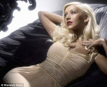 Christina Aguilera by Night, nueva fragancia de la cantante