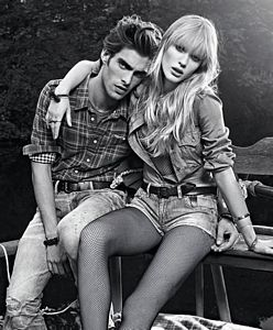 Jon Kortajarena y Anne V. en la nueva campaa de Pepe Jeans